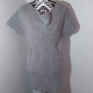 NWOT Willi Smith Gray Pullover Sweater.